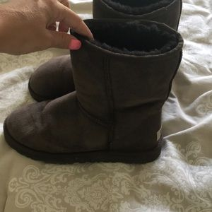 Barely used brown ugg boots size 6
